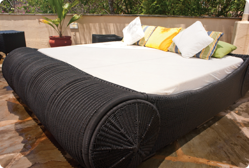 Large Woven Bed With Wheels